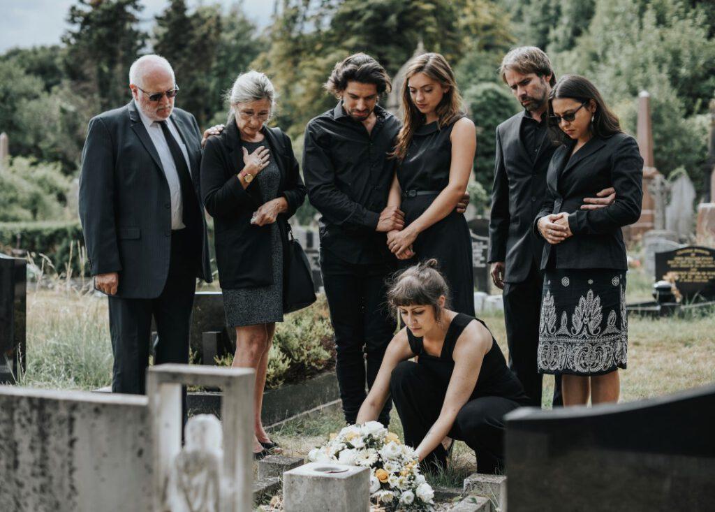Begrafenis in kleine kring, met enkel het gezin - Tom van Dijk Uitvaarten