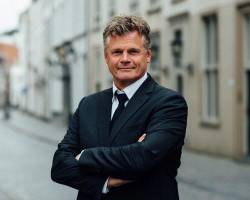 Tom van Dijk Uitvaarten | Rob van Tilburg - ritueelbegeleider bij afscheid